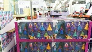 コストコのディズニープリンセスのおもちゃがたくさんありました!