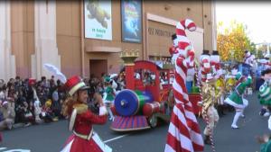 USJクリスマスパレード「サンタのトイマーチ」に子供が参加!参加受付方法や混雑状況を紹介します